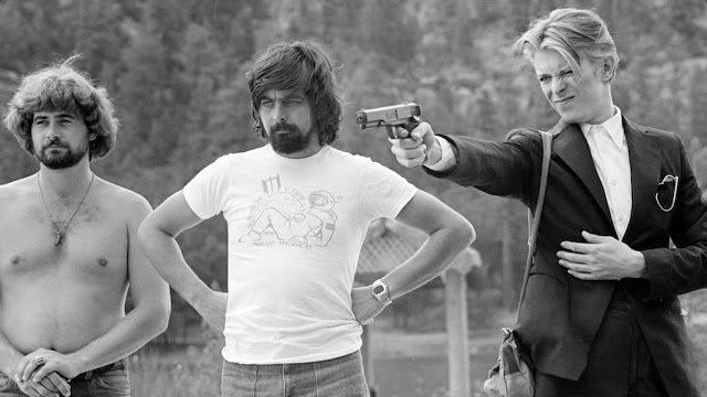 Кино Человек, который упал на Землю 1976 г. - Каменный лес Stone Forest