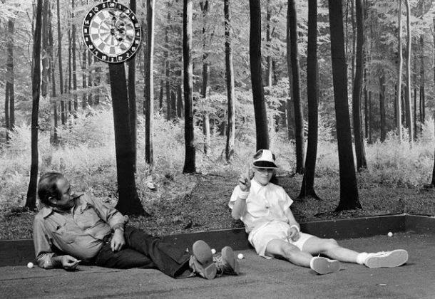 Человек, который упал на Землю 1976 г. - Каменный лес Stone Forest