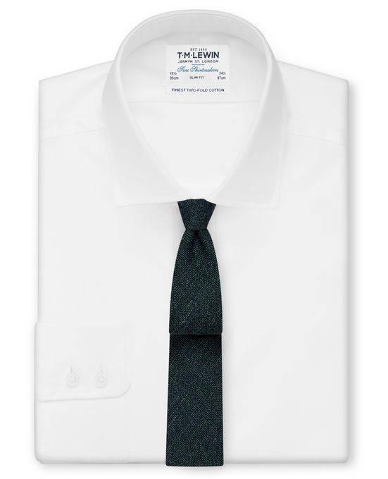 Белая рубашка с черным галстуком - Каменный лес Stone Forest