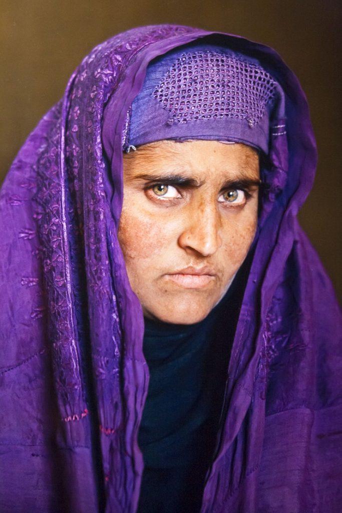 Стив Маккарри Афганская девочка 2002 - Каменный лес Stone Forest