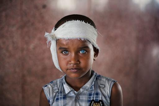 Детские фото Стива Маккарри - Каменный лес Stone Forest