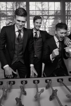 Александр Соболев, Антон Шунин и Антон Миранчук ALBIONE одели сборные России по футболу - Каменный лес Stone Forest