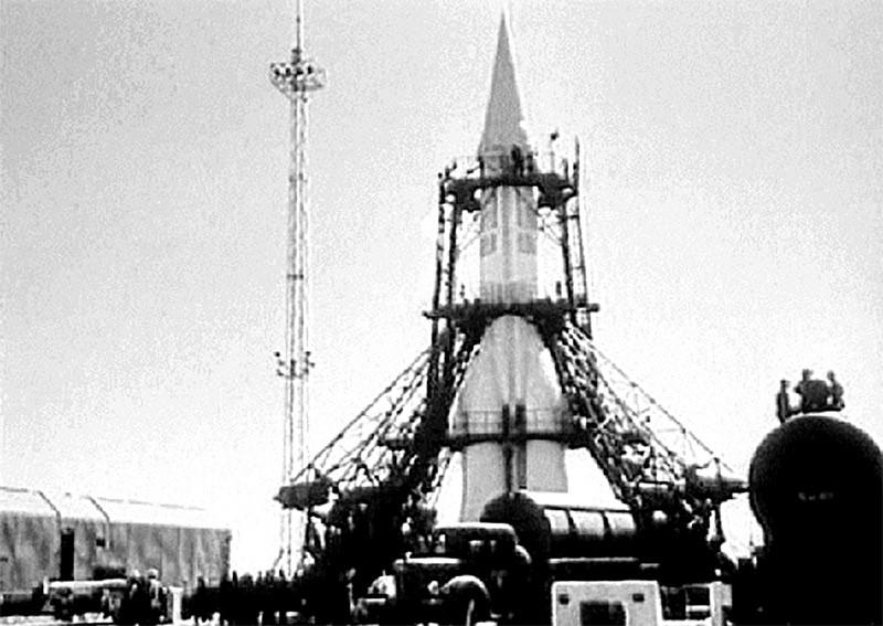 На фото подготовка к запуску ракеты Р-7 1957 год - Каменный лес Stone Forest