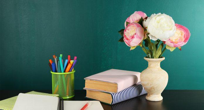 Какой букет цветов подарить учителю